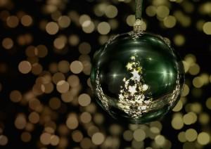 tree-decorations-511716_1280